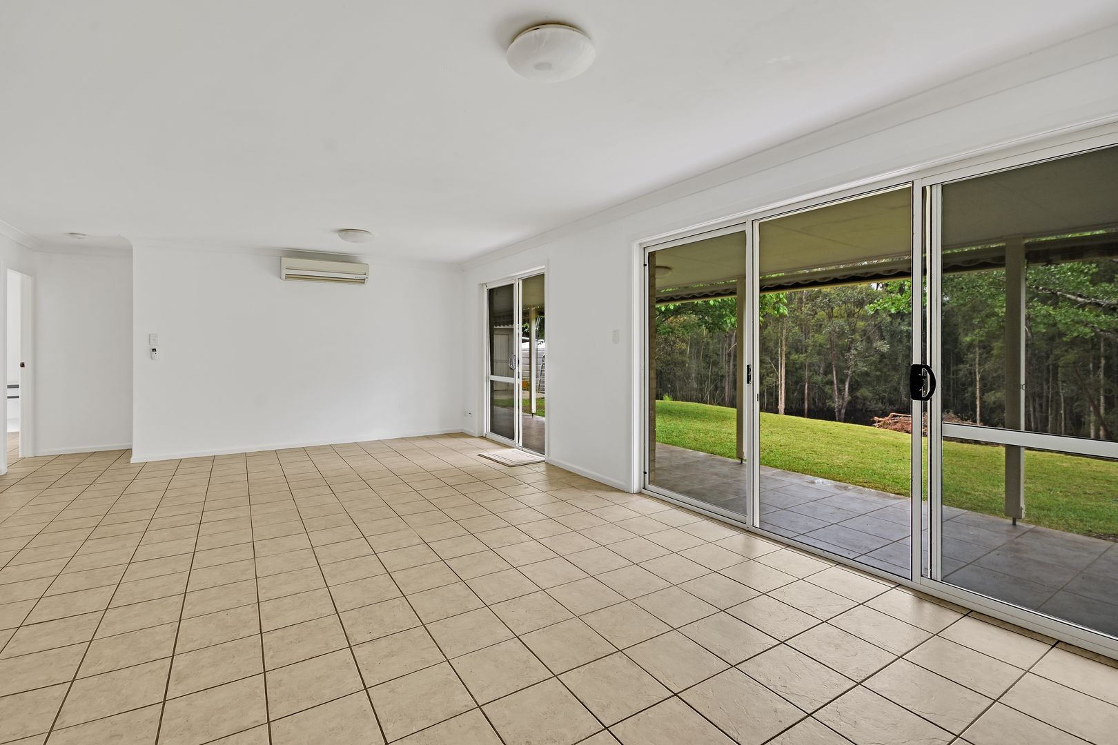 280 Long Point Drive, Lake Cathie NSW 2445, Image 2