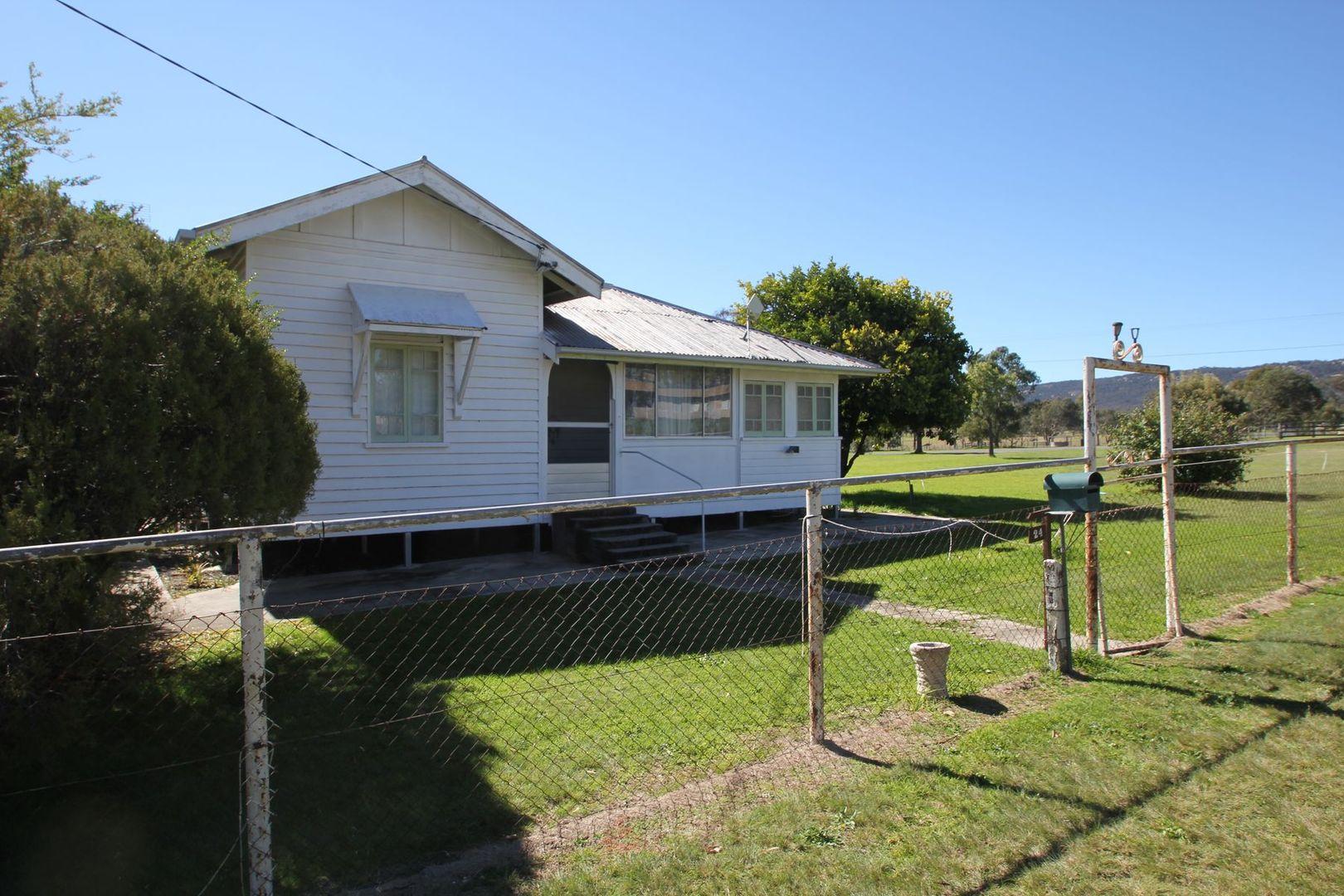 24 Border Street, Wallangarra QLD 4383, Image 1