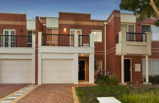 Picture of 16 Newmarket Way, Flemington VIC 3031