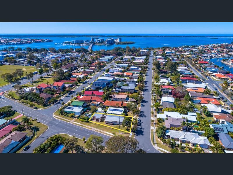 69 Errol Avenue, Paradise Point QLD 4216, Image 0