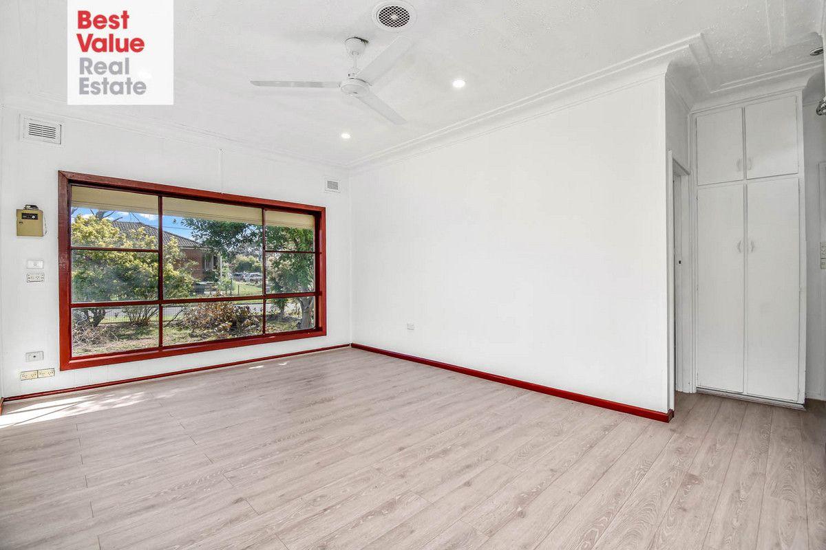 16 Tanderra Street, Colyton NSW 2760, Image 2