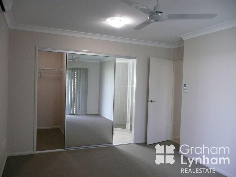 8 Montebello Circuit, Kirwan QLD 4817, Image 2