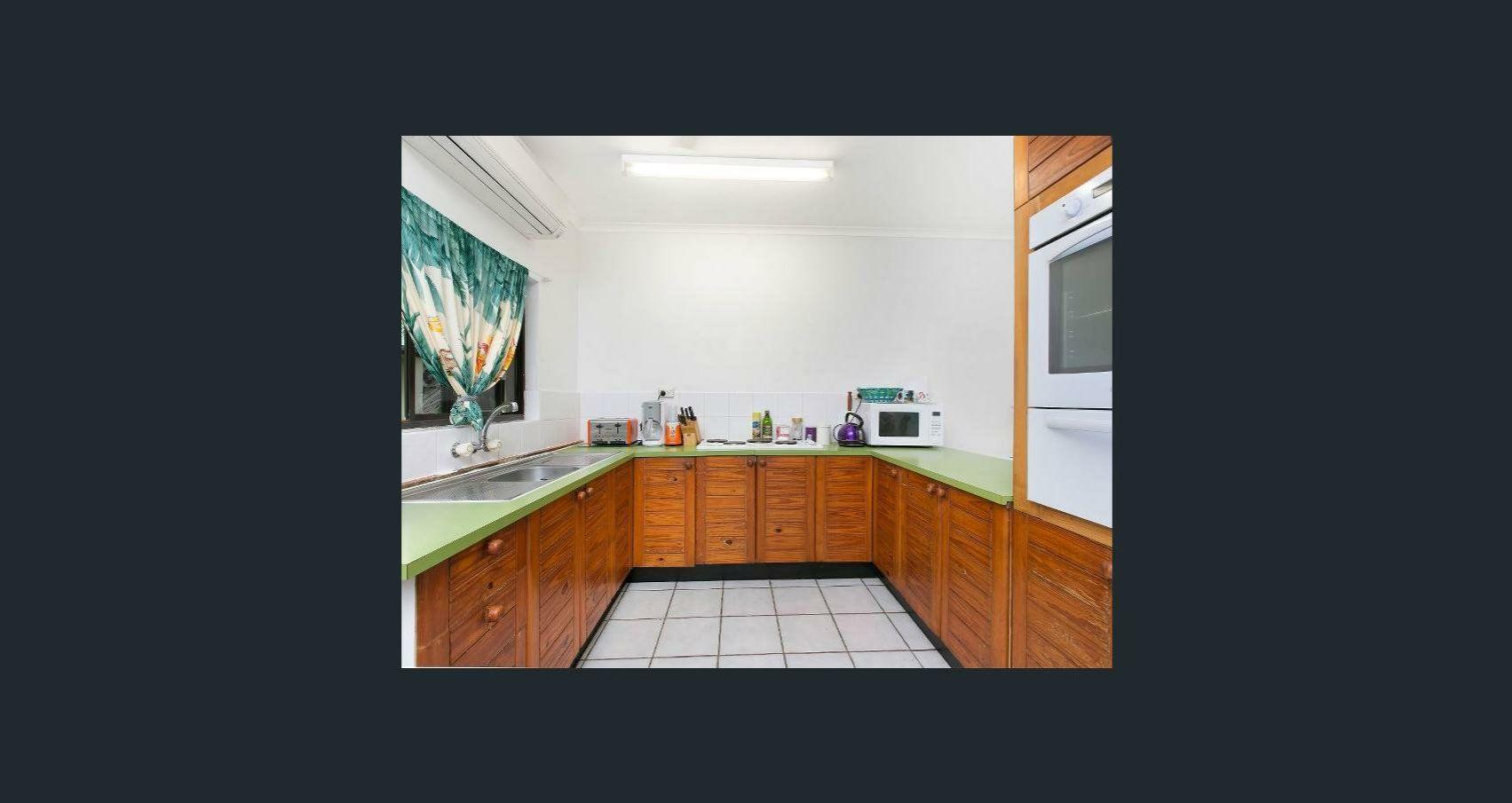 3/27 Amphora Street, Palm Cove QLD 4879, Image 2