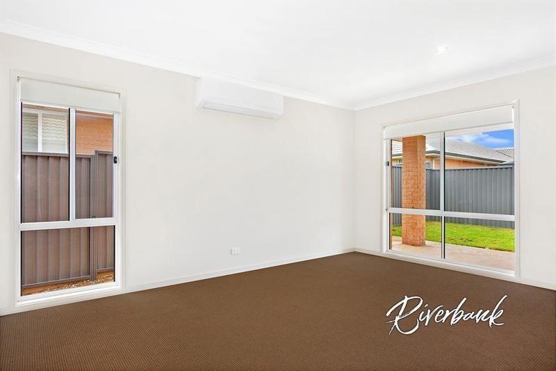 16 Cropton Street, Jordan Springs NSW 2747, Image 2