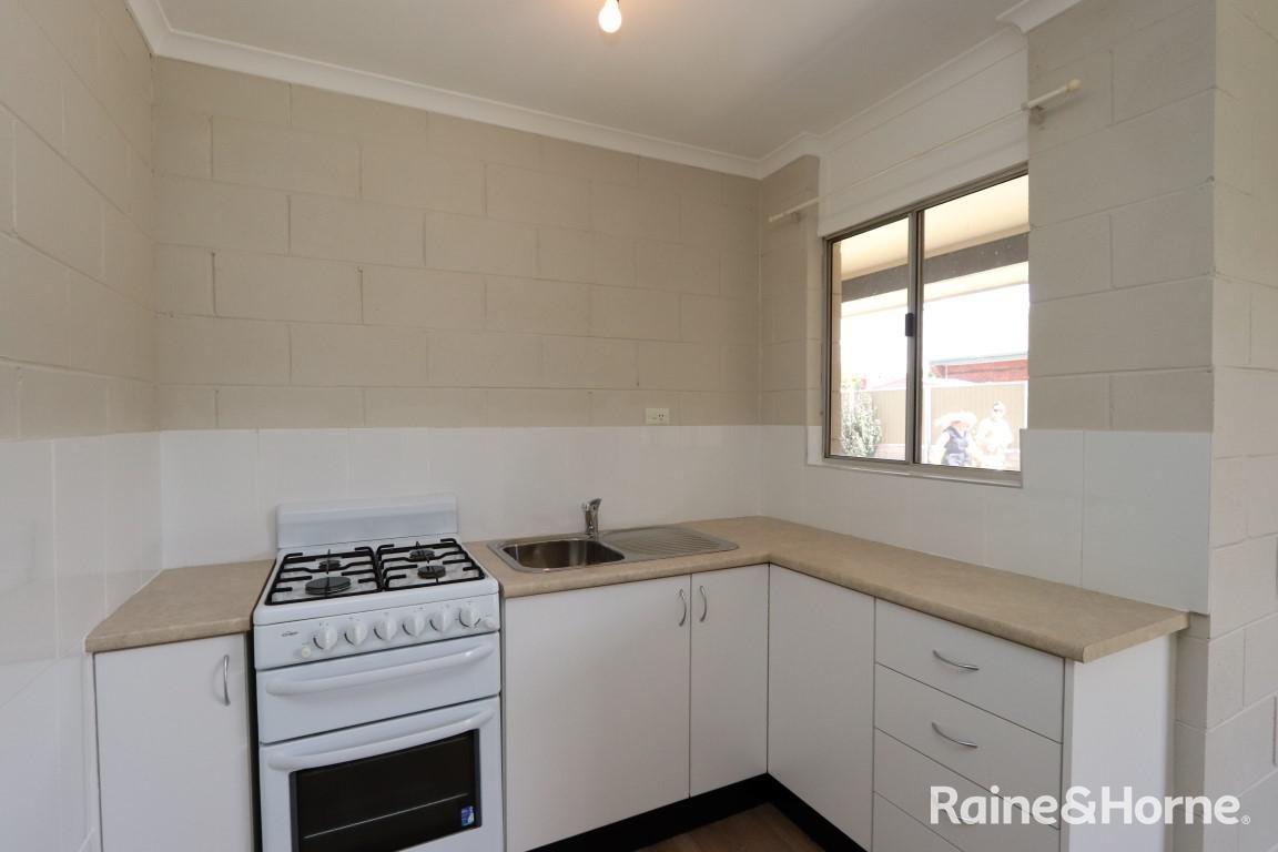 2/99 Rankin Street, Bathurst NSW 2795, Image 1