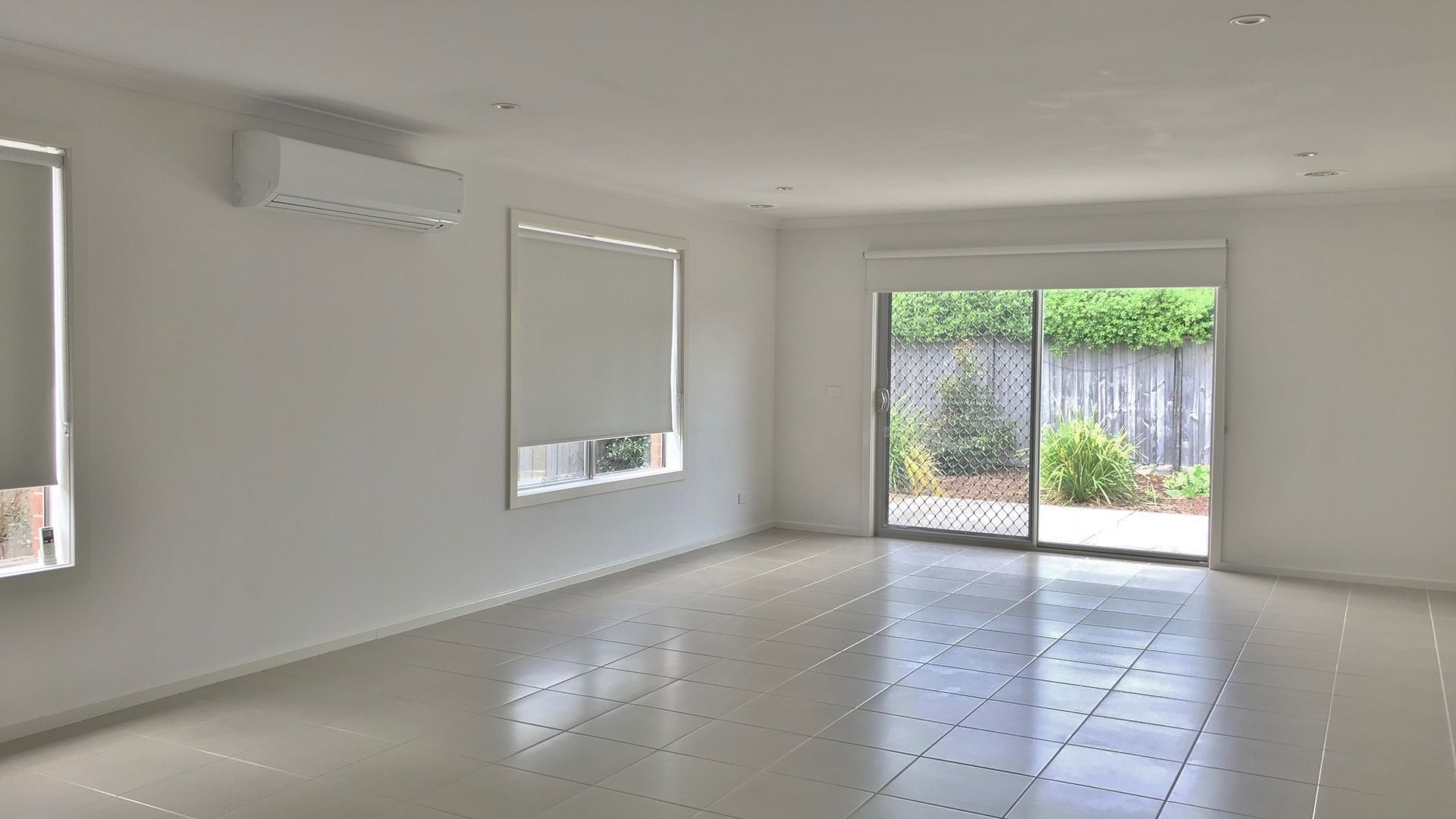 22 Glenelg Street, Clyde North VIC 3978, Image 2