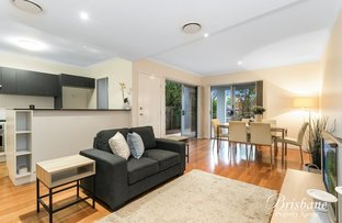 1/82 Clarence Road, Indooroopilly QLD 4068