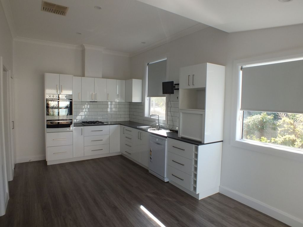 14 Grenfell Street, West Wyalong NSW 2671, Image 2