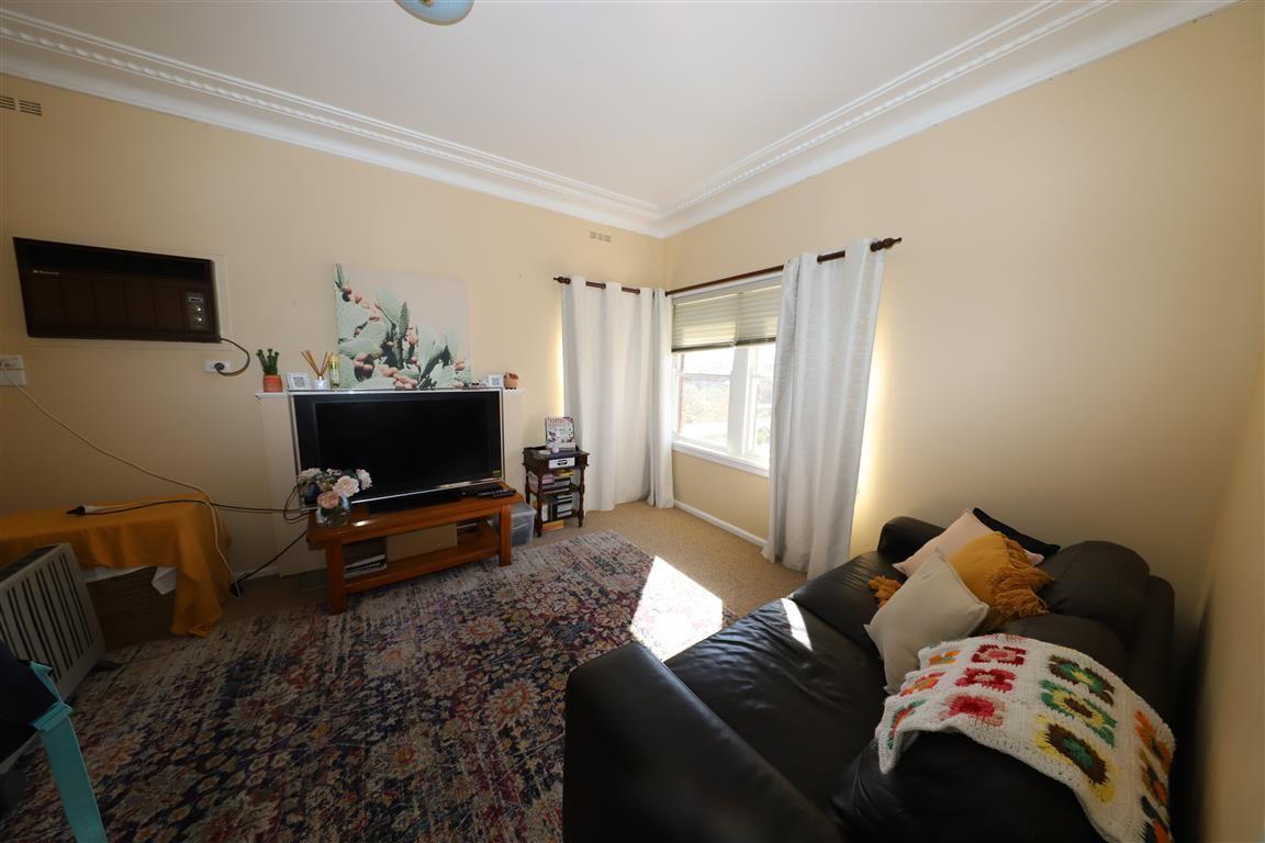 93 Capper Street, Tumut NSW 2720, Image 2