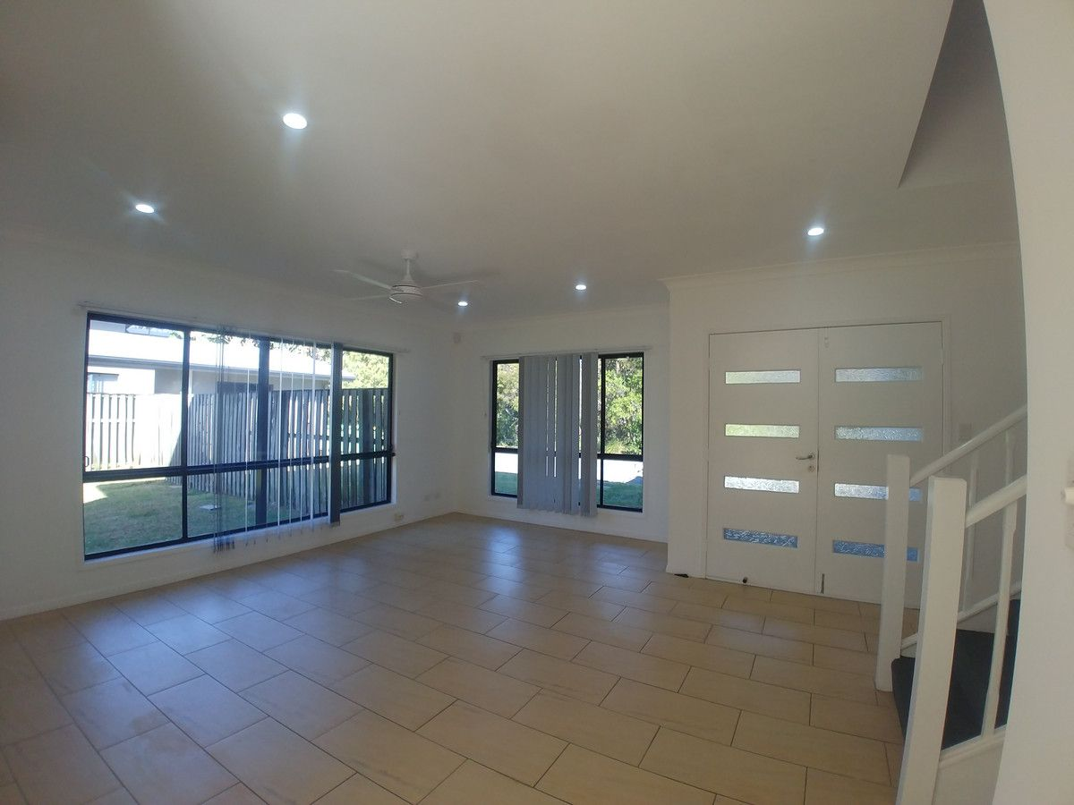 59 Victoria Drive, Pacific Pines QLD 4211, Image 2