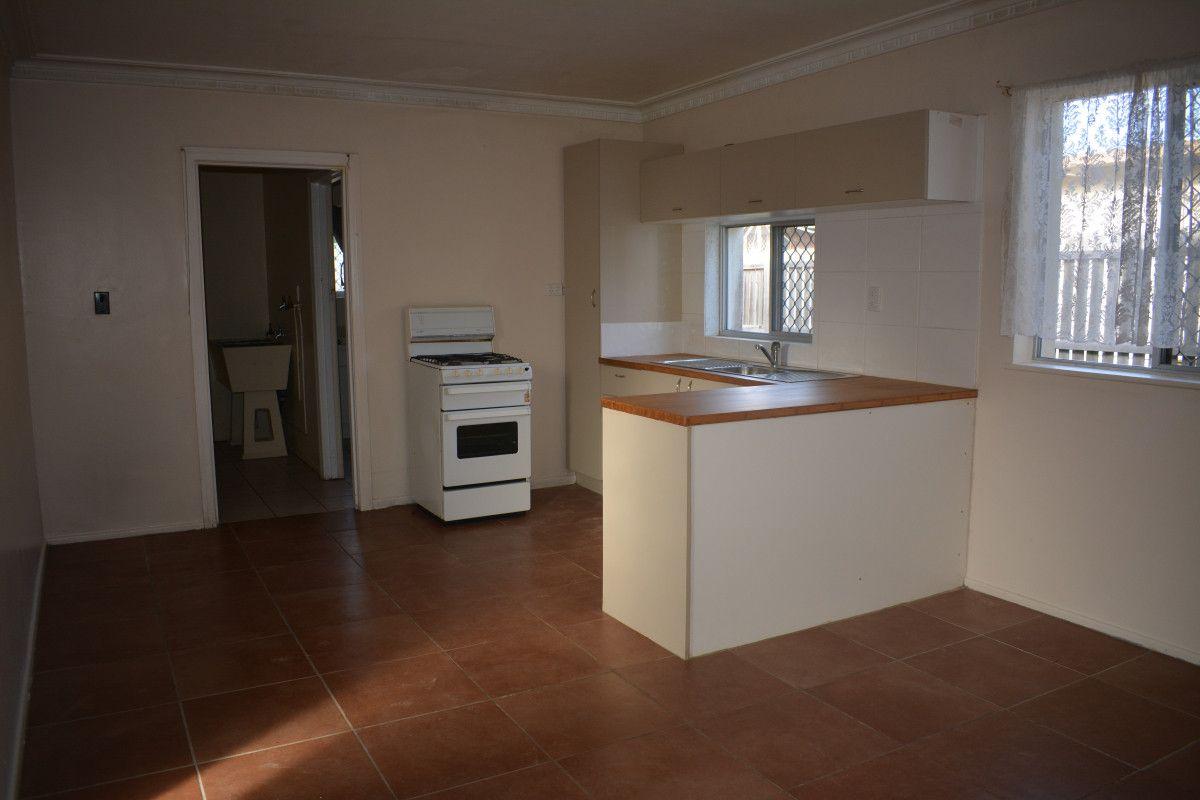 4/4 Palmer Street, Millbank QLD 4670, Image 1