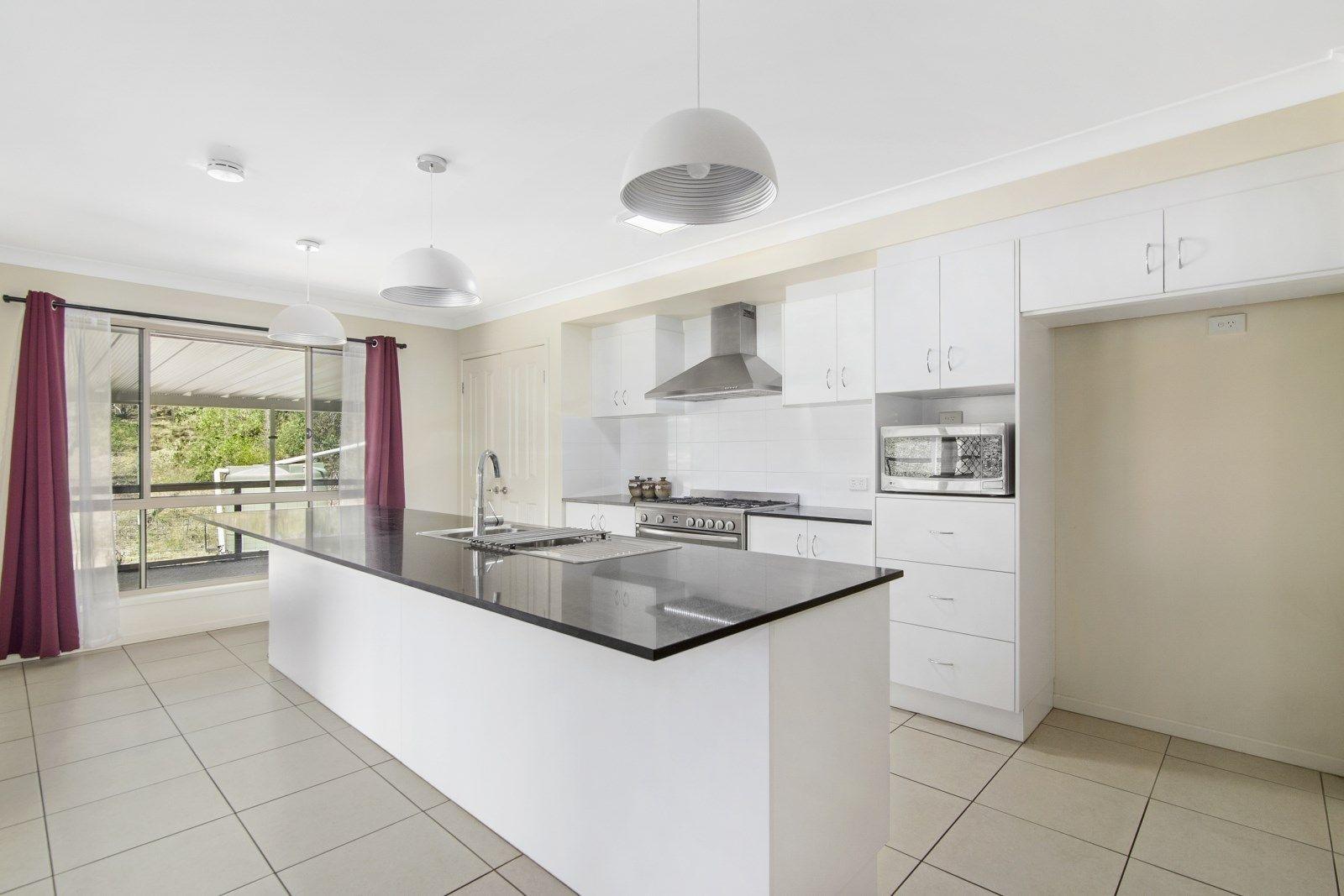219 Spinebill Drive, Greenbank QLD 4124, Image 2