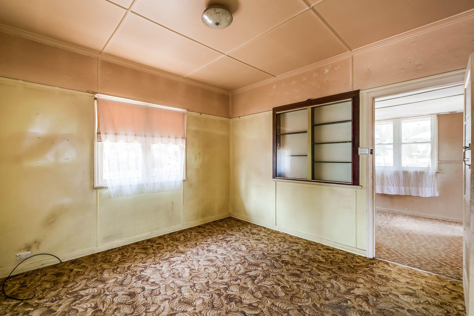 35 Mabel Street, Harlaxton QLD 4350, Image 2