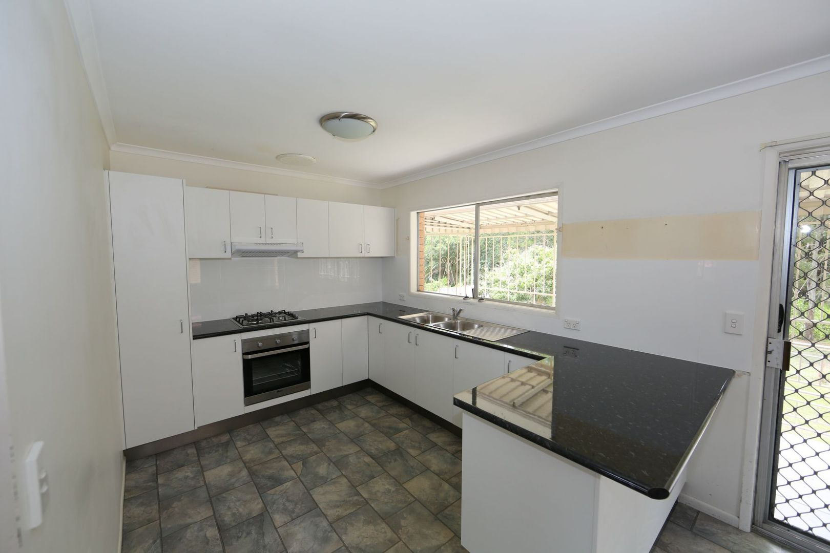 302 Broadwater Road, Mansfield QLD 4122, Image 1