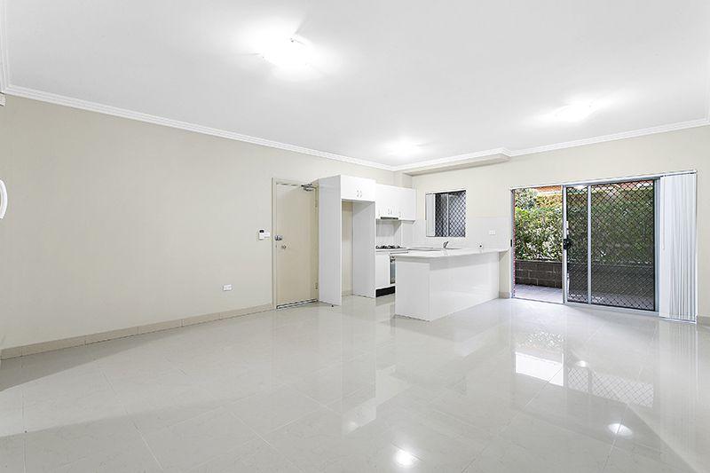 2/65 Beamish Road, Northmead NSW 2152, Image 1