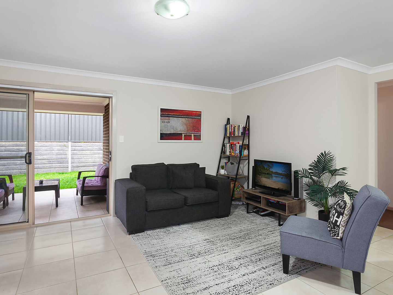27 Oakmont Place, Woongarrah NSW 2259, Image 1