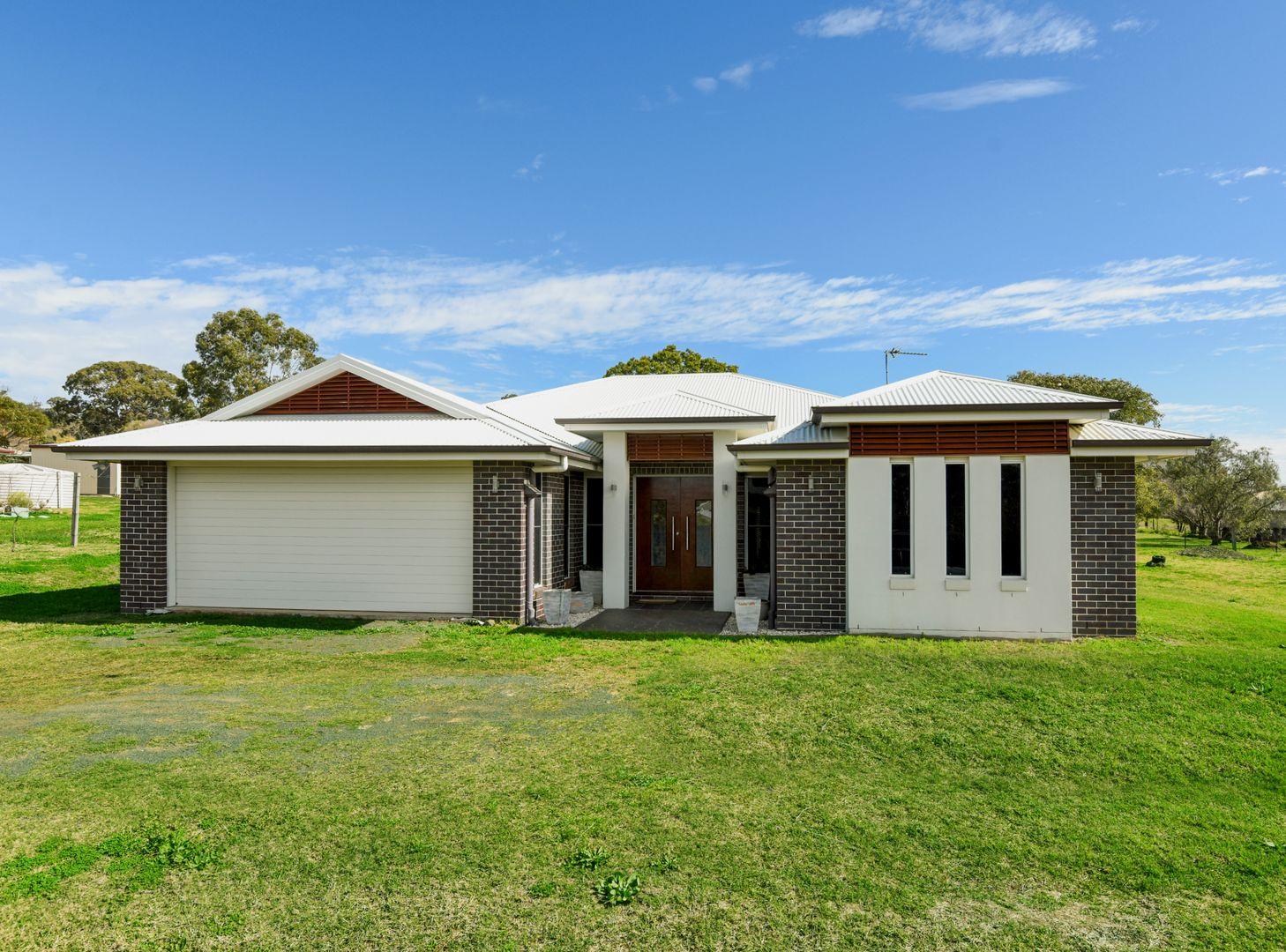 6 Phipps Drive, Meringandan West QLD 4352, Image 2