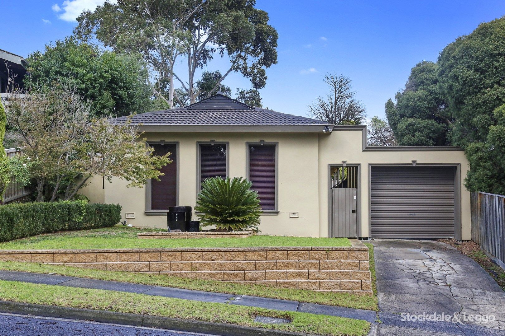 10 Larnook Close, Greensborough VIC 3088, Image 0