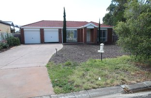 Picture of 8 Patterson Close, Caroline Springs VIC 3023