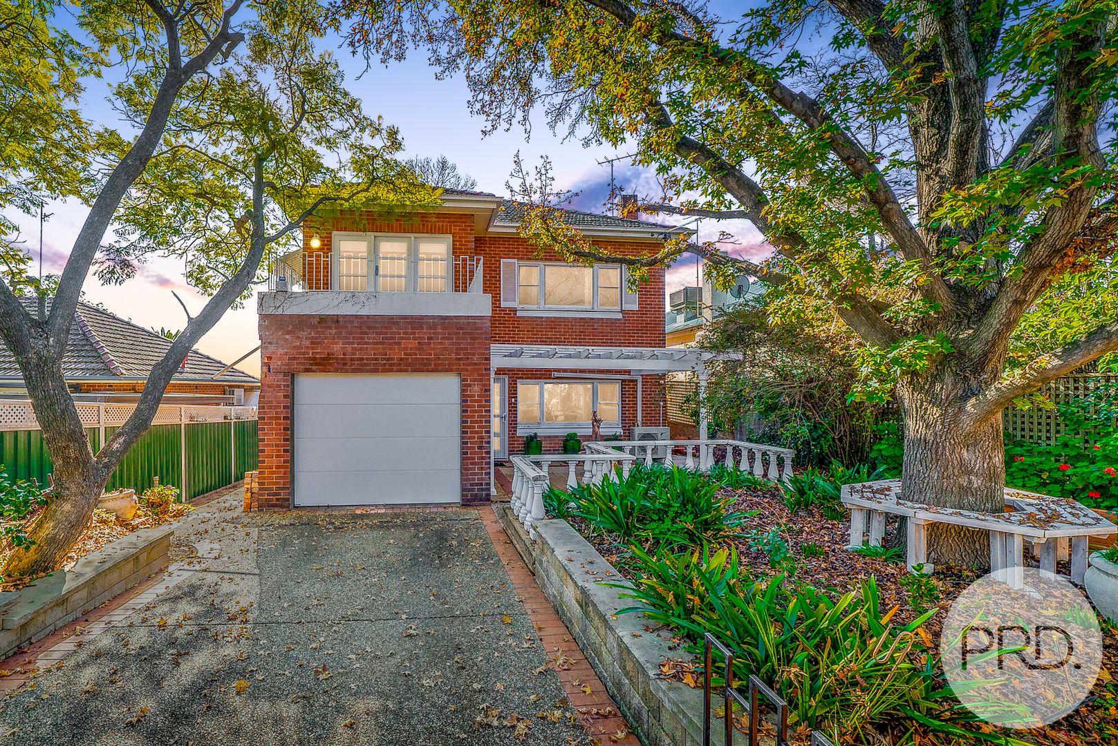 27 Garland Street, Turvey Park NSW 2650, Image 0