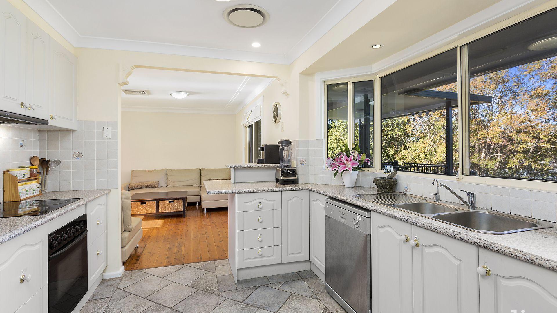 21 Beresford Avenue, Baulkham Hills NSW 2153, Image 1