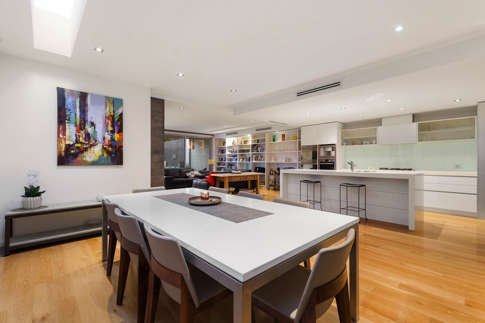 36 May St, Hampton VIC 3188, Image 2