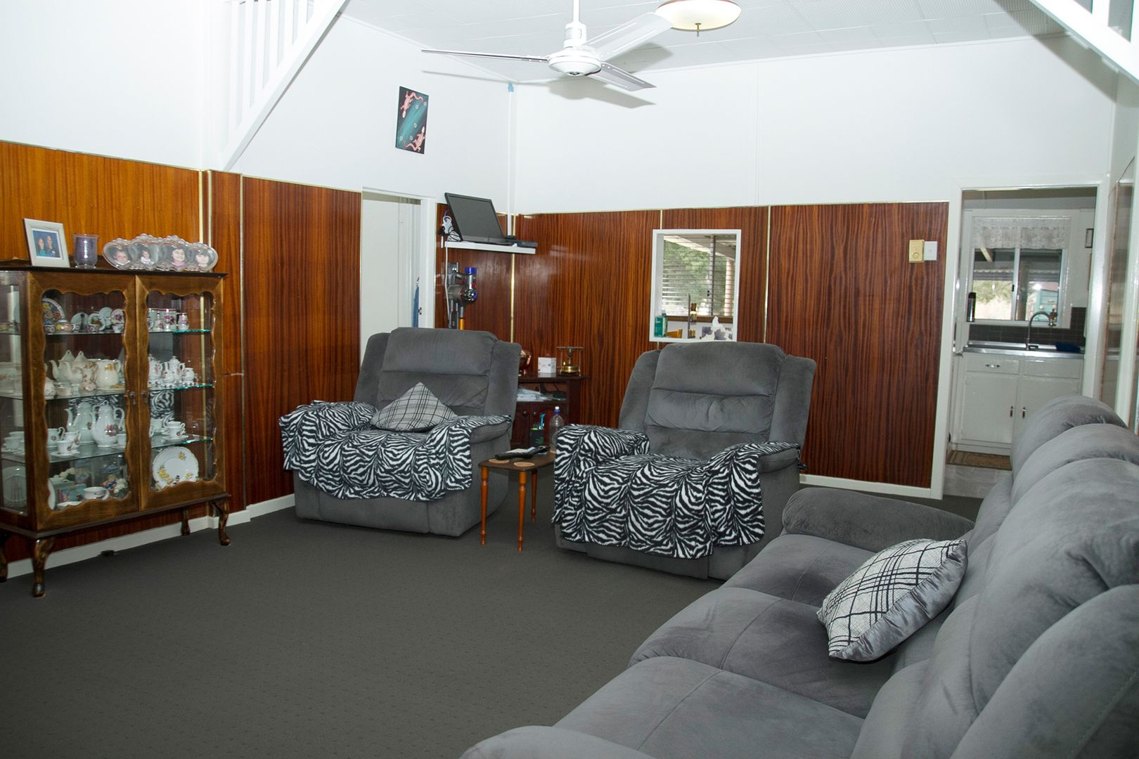 8 Creek Street, Yuleba QLD 4427, Image 2