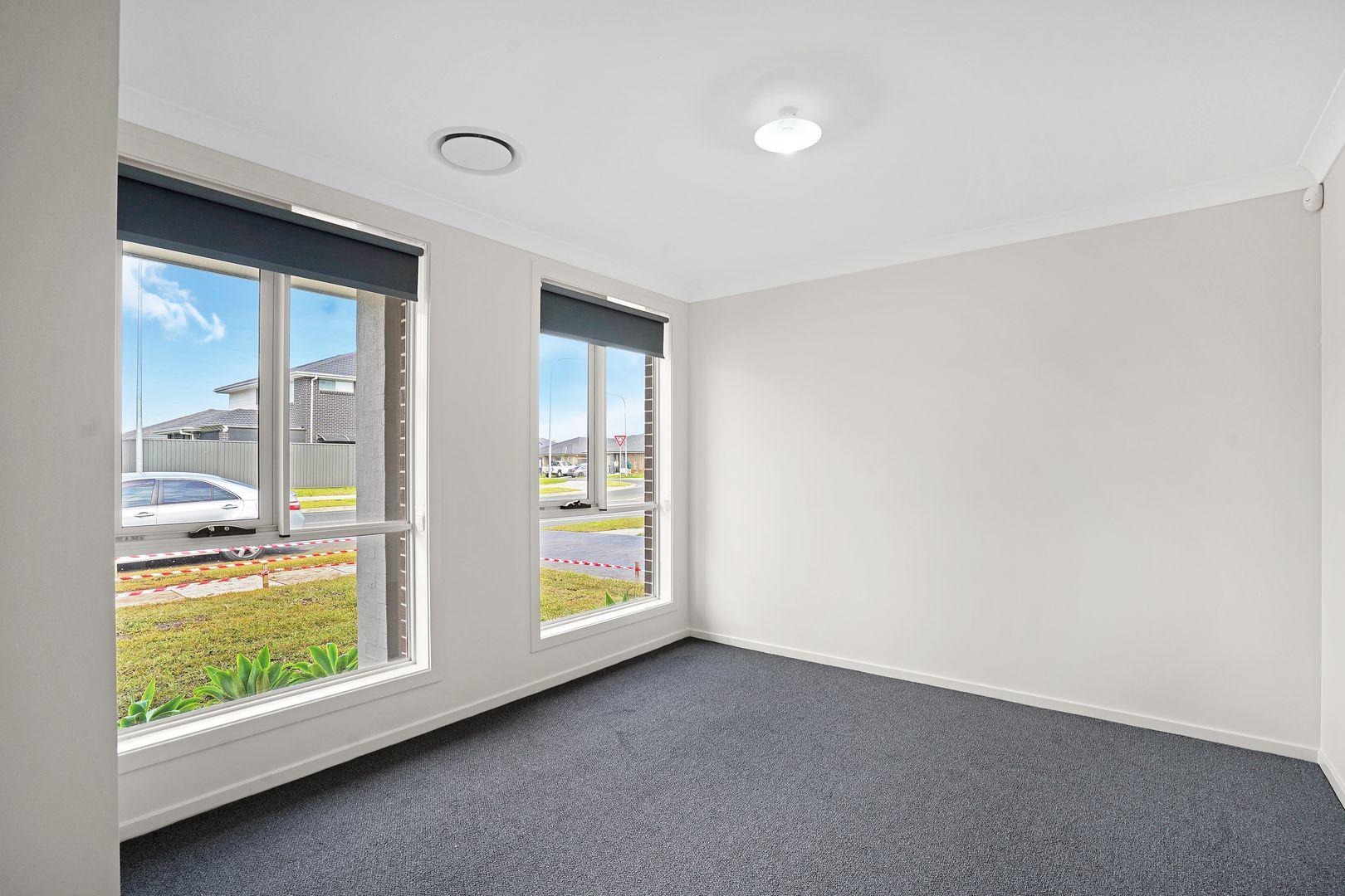 101 Donovan Blvde, Gregory Hills NSW 2557, Image 2