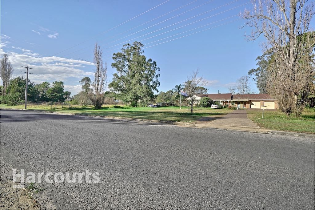 52 Racecourse Avenue, Menangle Park NSW 2563, Image 2