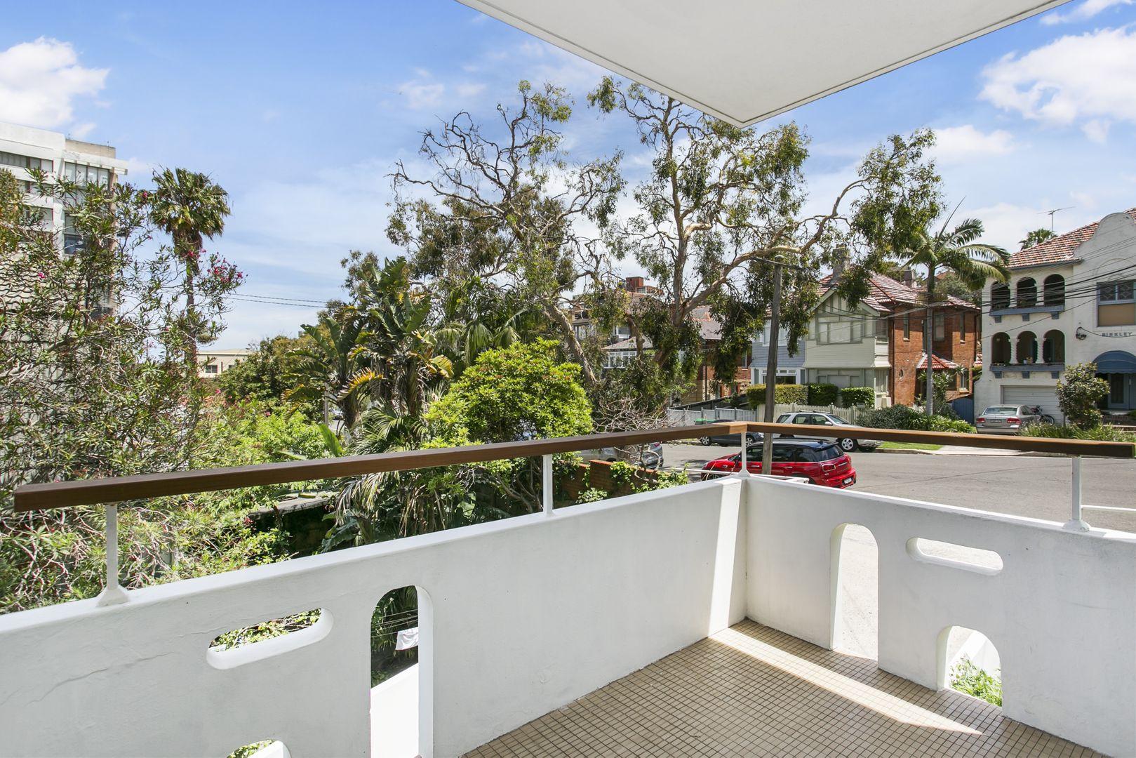 4/20 Birkley Road, Manly NSW 2095, Image 2