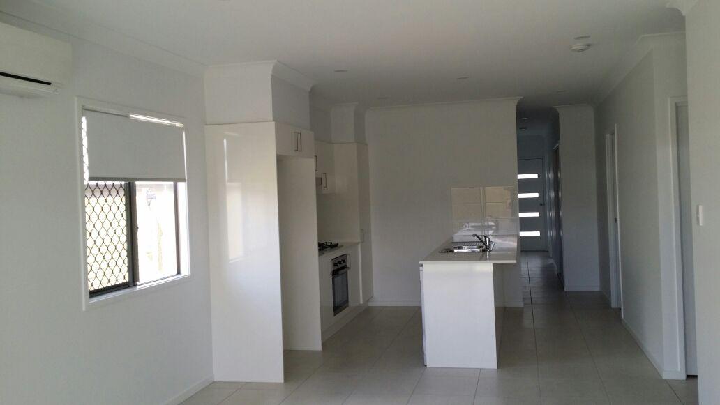 28 Mount Pleasant Street, Park Ridge QLD 4125, Image 2