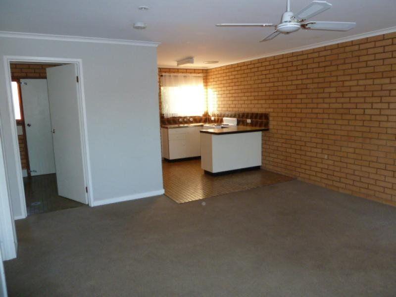 1/482 Hazel Court, Lavington NSW 2641, Image 2
