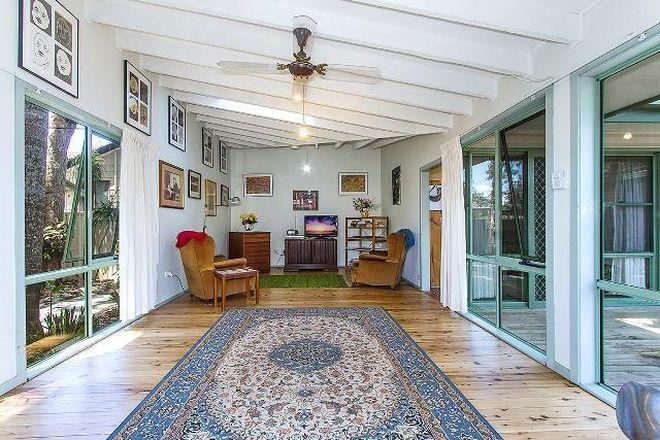 53 Grevillea Crescent, BERKELEY VALE NSW 2261