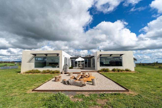 Picture of 161 Dunstaffnage Lane, BROWNS CREEK NSW 2799