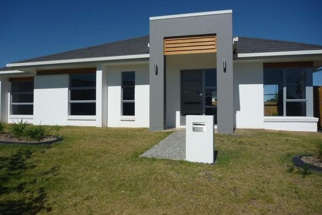 Picture of 36 Hillcrest Avenue, ROCHEDALE QLD 4123