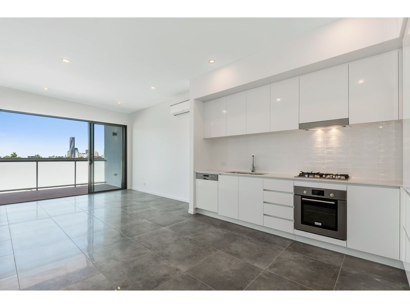 32/16-24 Lower Clifton Terrace, Red Hill QLD 4059, Image 2