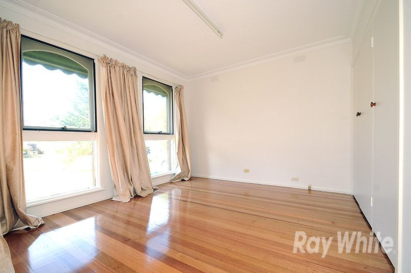 82 Whites Lane, Glen Waverley VIC 3150, Image 2