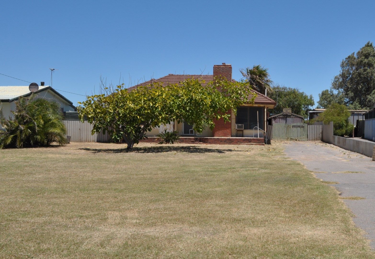 42 Crowther Street, Beachlands WA 6530, Image 0