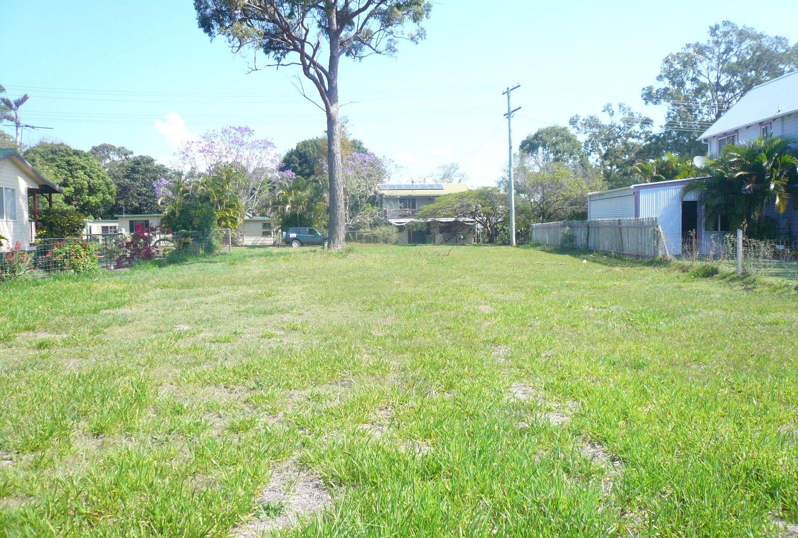 21 Hamilton Pde, Macleay Island QLD 4184, Image 2