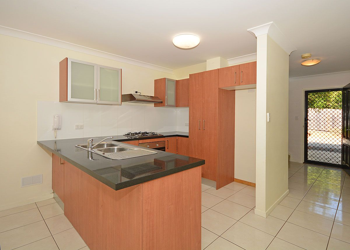 25/654 Esplanade, Urangan QLD 4655, Image 1