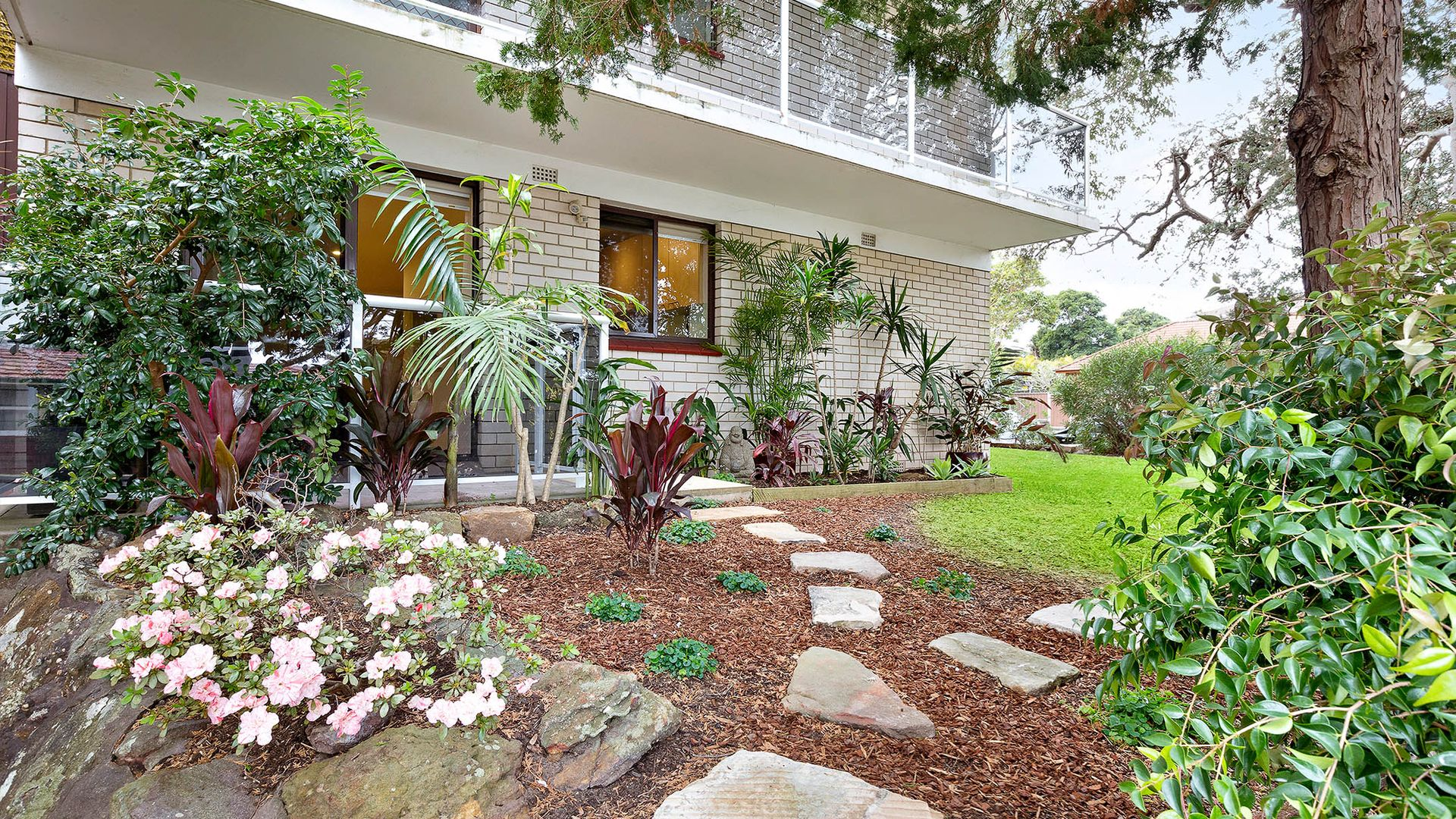 2/82 Oliver Street, Freshwater NSW 2096, Image 1