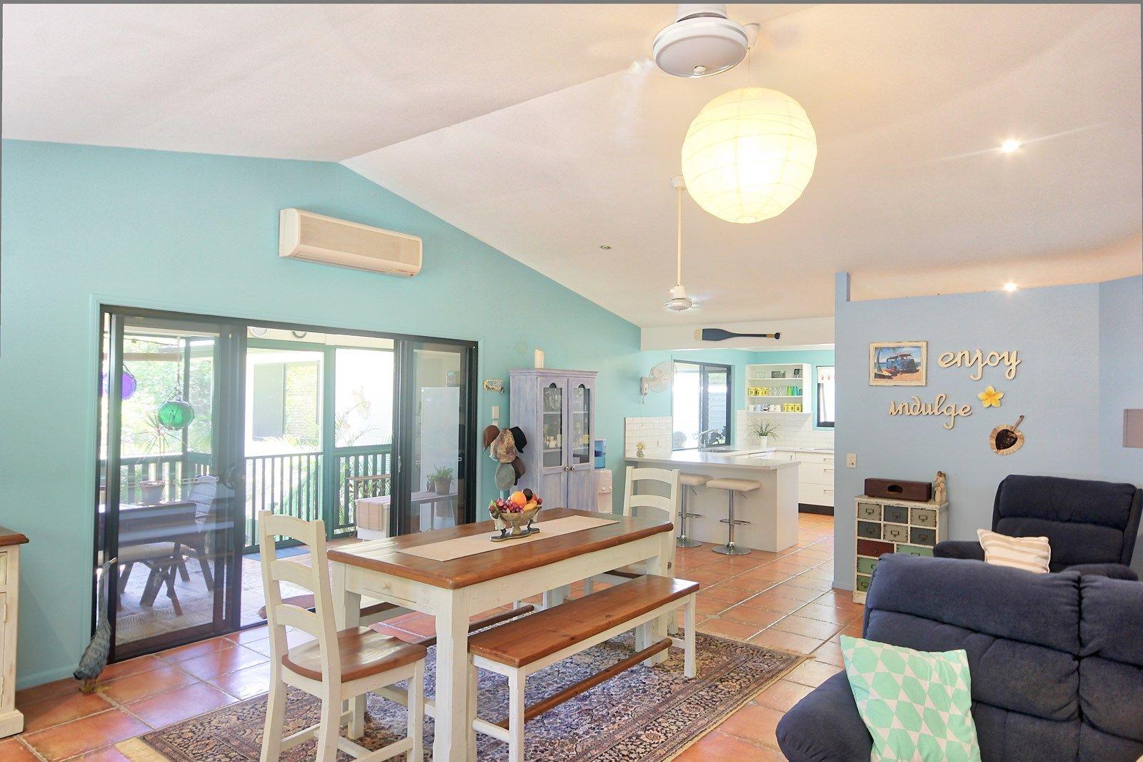 17 Aminya Street, Coochiemudlo Island QLD 4184, Image 1