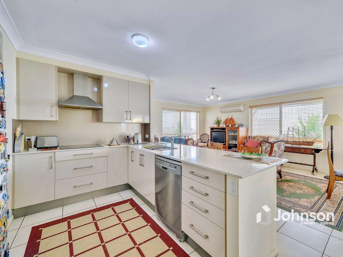 2/8 Aminya Street, Mansfield QLD 4122, Image 1