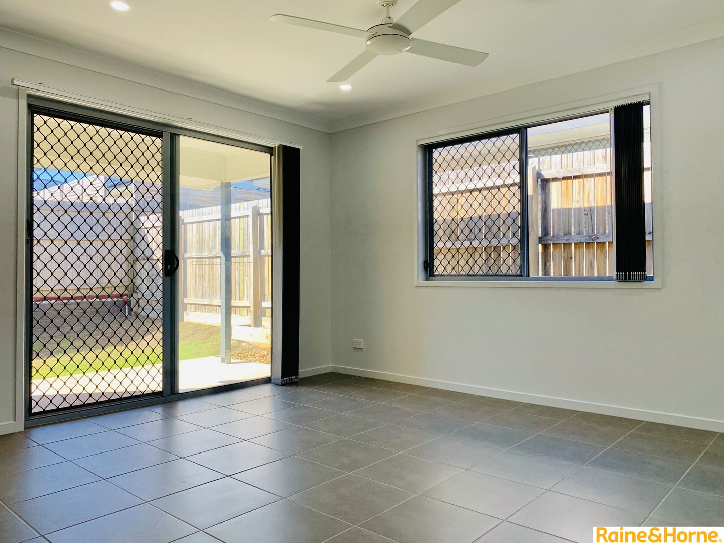 1/35 AWOONGA CRESCENT, Morayfield QLD 4506, Image 1