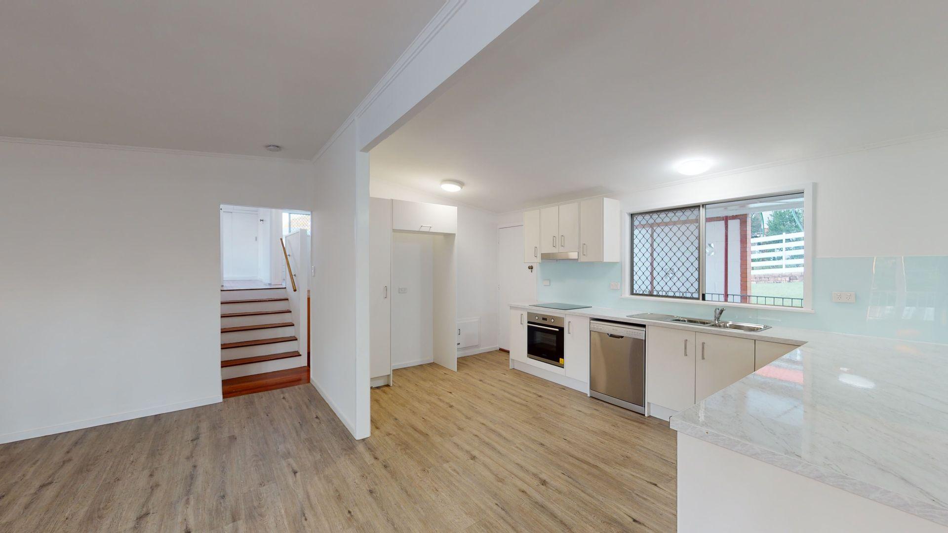 9 Fairholme Street, Kenmore QLD 4069, Image 2