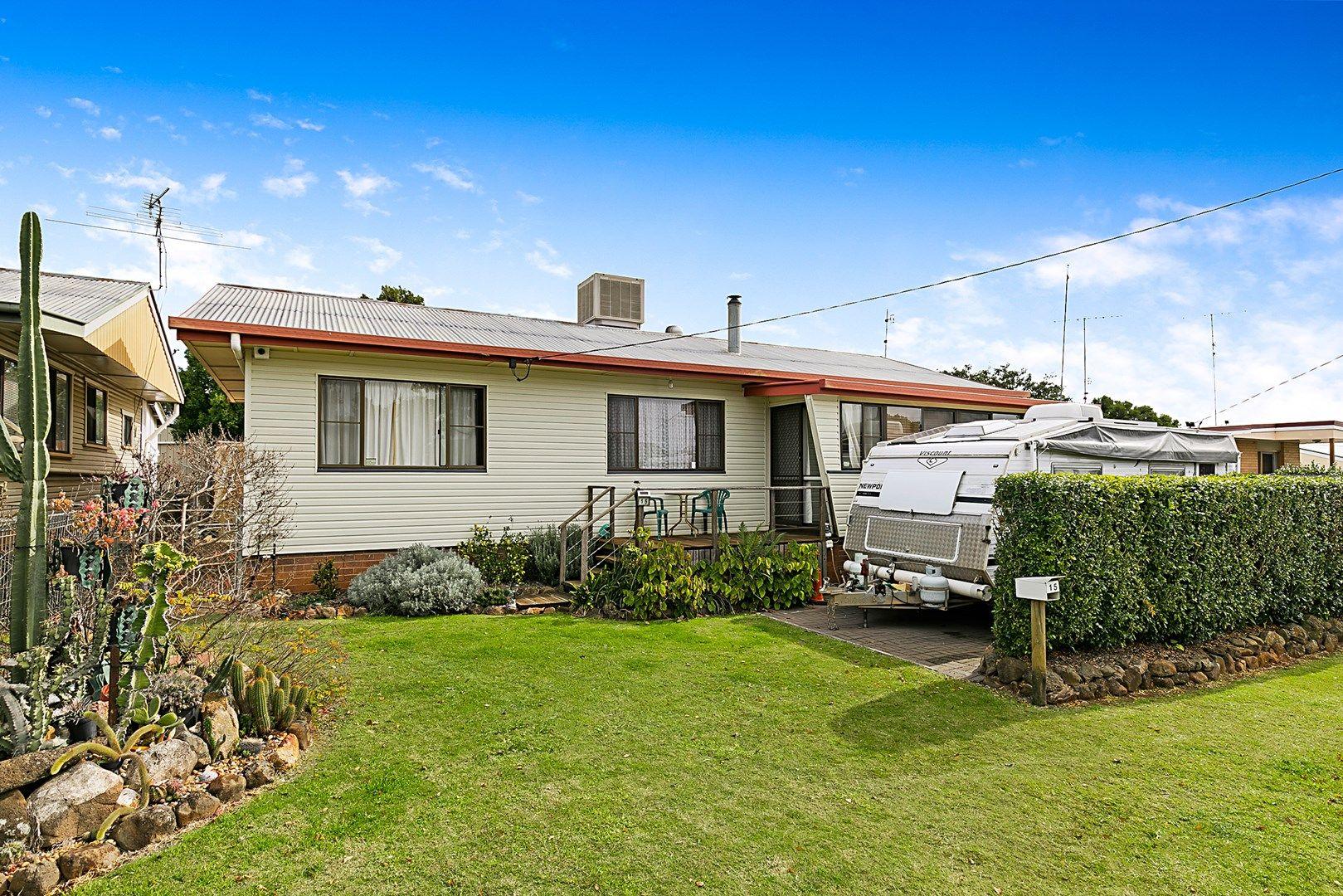 15 Leawarra Street, Wilsonton QLD 4350, Image 0
