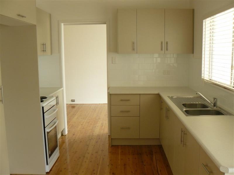 28 Ring Street, Tamworth NSW 2340, Image 1