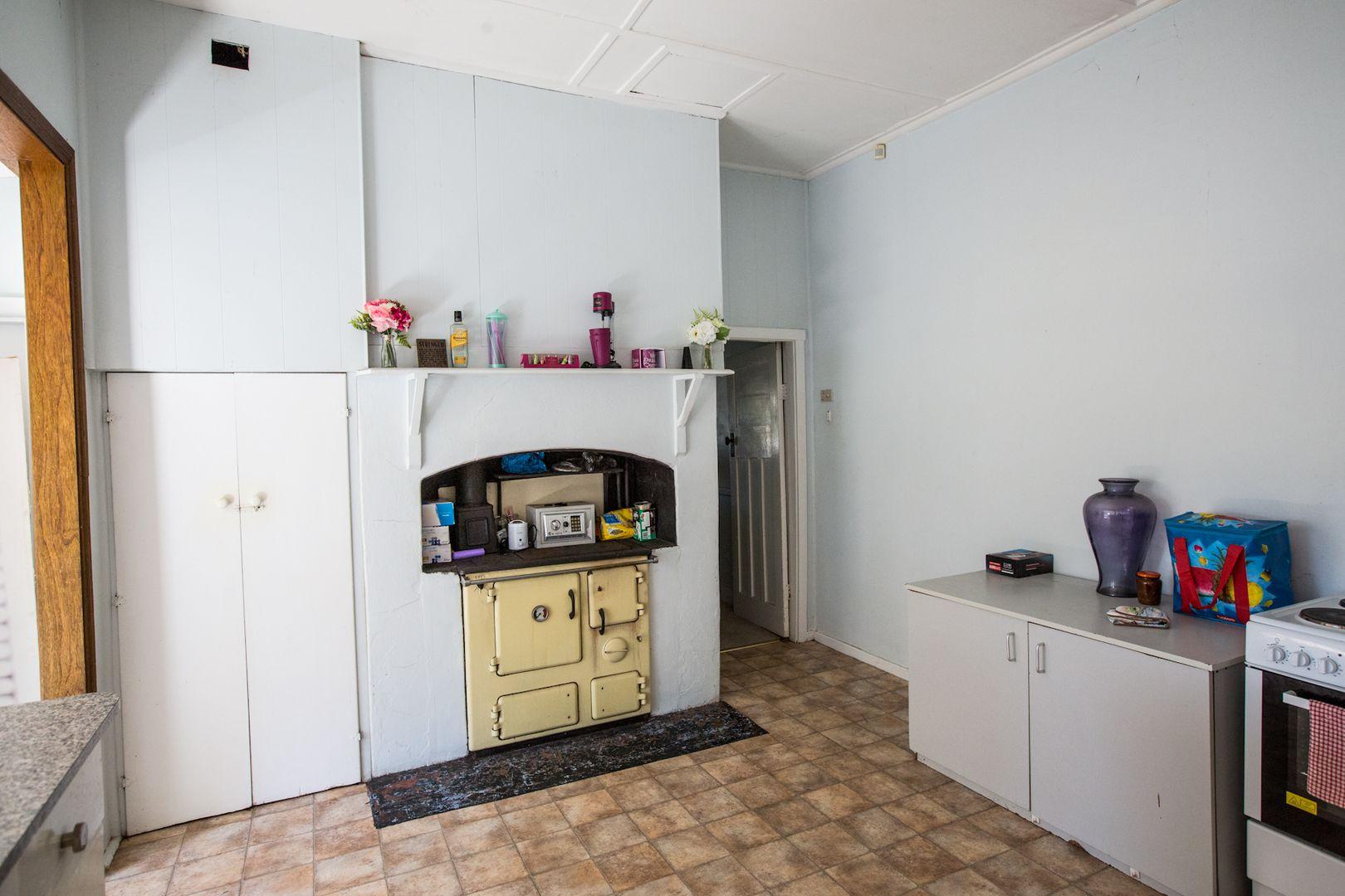 117 Miller St, Gilgandra NSW 2827, Image 2