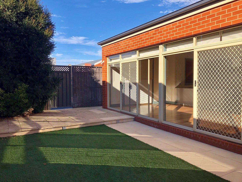 20 Golden Way, Albury NSW 2640, Image 0
