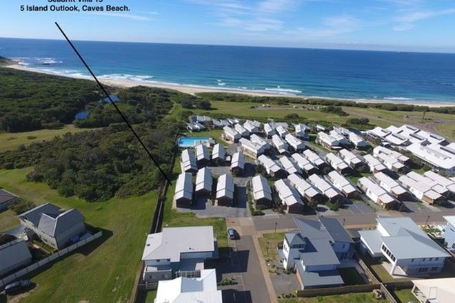 Picture of Villa 15/5 Island Outlook, CAVES BEACH NSW 2281